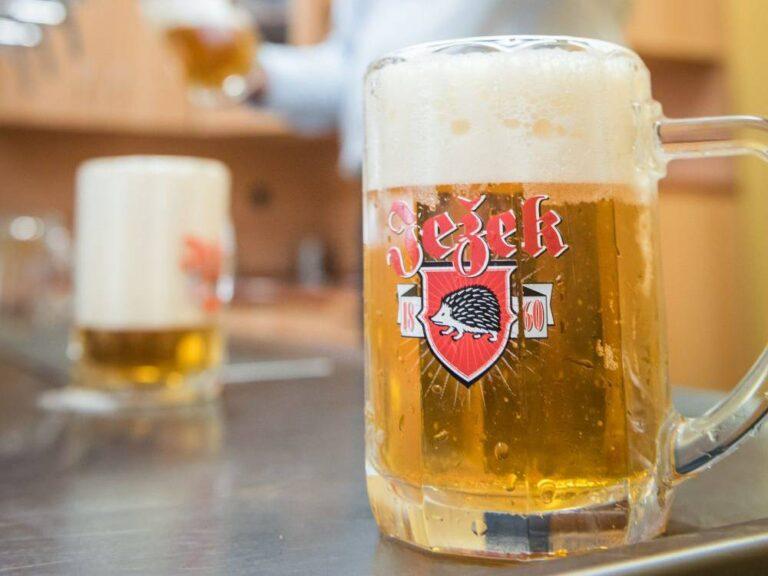 Pivovar Jihlava slaví 160 let. Milovníci piva byli obdarováni výročním ležákem