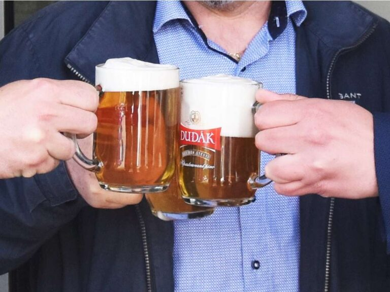 Strakonický pivovar prodává speciál Dudák Letní s výrazným chmelovým aroma